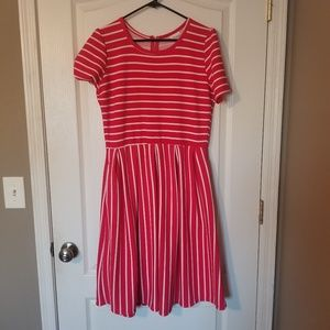 Super cute LULAROE Amelia dress WITH POCKETS!